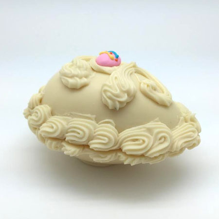 8 oz. White Chocolate Shell Egg